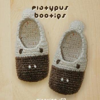 Platypus TODDLER Booties Crochet PATTERN (PDF), Size 4 to 9 by kittying